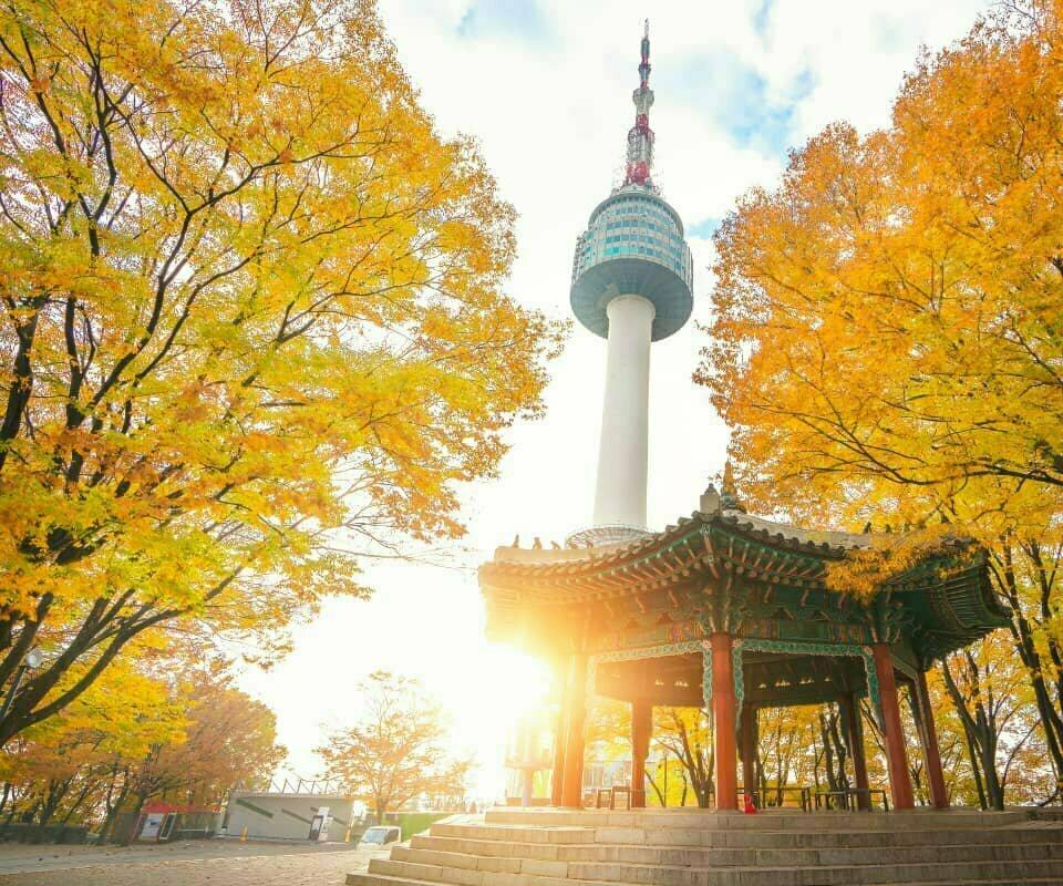 Pemandangan Menara Namsan, Korea.